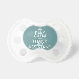 Behalten Sie Ruhe und danken Sie Ihrem Assistenten Schnuller
