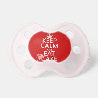 Behalten Sie Ruhe und essen Sie Kuchen Schnuller