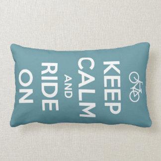Behalten Sie Ruhe und fahren Sie auf Blau Lendenkissen