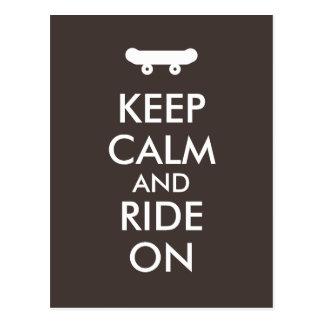 Behalten Sie Ruhe und fahren Sie auf Skateboarding Postkarte