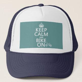 Behalten Sie Ruhe und Fahrrad auf (irgendeine Truckerkappe