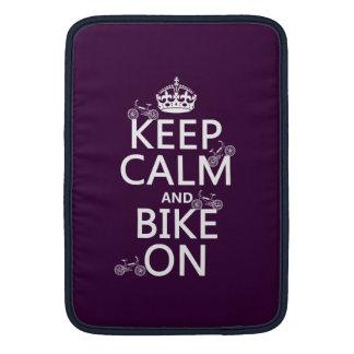 Behalten Sie Ruhe und Fahrrad auf (kundengerechte MacBook Sleeve