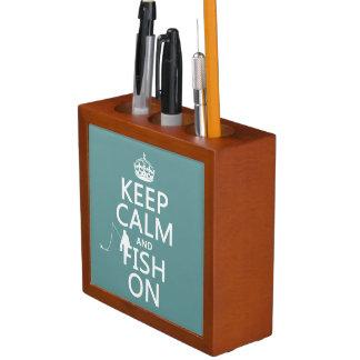 Behalten Sie Ruhe und Fische auf (alle Farben) Stifthalter