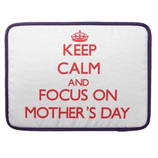 Behalten Sie Ruhe und Fokus am Tag der Mütter MacBook Pro Sleeves
