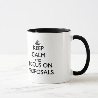 Behalten Sie Ruhe und Fokus auf Anträgen Tasse