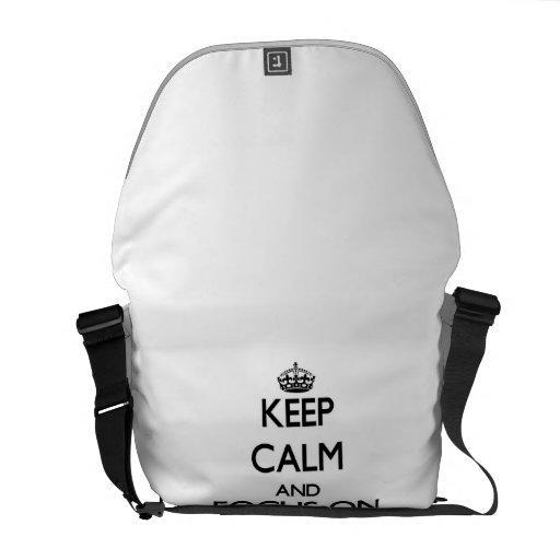 Behalten Sie Ruhe und Fokus auf Auflagen Kurier Taschen
