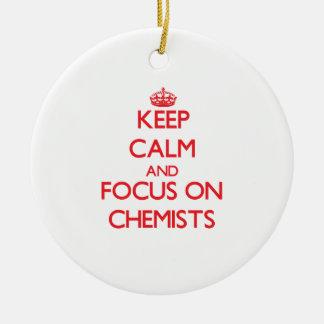 Behalten Sie Ruhe und Fokus auf Chemikern Weihnachtsornament