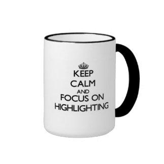 Behalten Sie Ruhe und Fokus auf der Hervorhebung Teetasse