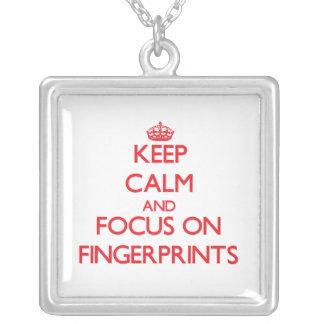 Behalten Sie Ruhe und Fokus auf Fingerabdrücken Personalisierte Halskette