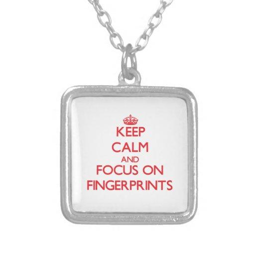Behalten Sie Ruhe und Fokus auf Fingerabdrücken Personalisierter Schmuck