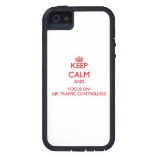 Behalten Sie Ruhe und Fokus auf FLUGLOTSEN iPhone 5 Hülle