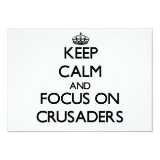 Behalten Sie Ruhe und Fokus auf Kreuzfahrern Ankündigungskarten