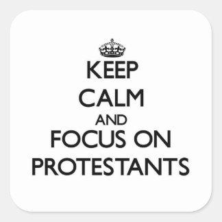 Behalten Sie Ruhe und Fokus auf Protestanten