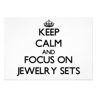 Behalten Sie Ruhe und Fokus auf Schmuck-Sets