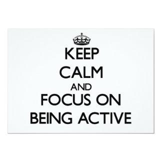 Behalten Sie Ruhe und Fokus auf Sein aktiv Personalisierte Ankündigungskarten