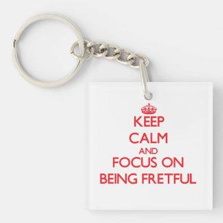 Behalten Sie Ruhe und Fokus auf Sein ärgerlich Beidseitiger Quadratischer Acryl Schlüsselanhänger