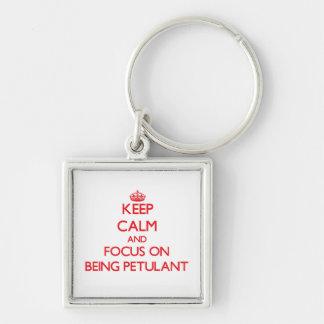 Behalten Sie Ruhe und Fokus auf Sein gereizt Schlüsselbänder