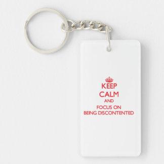 Behalten Sie Ruhe und Fokus auf Sein unzufrieden Beidseitiger Rechteckiger Acryl Schlüsselanhänger
