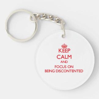Behalten Sie Ruhe und Fokus auf Sein unzufrieden Einseitiger Runder Acryl Schlüsselanhänger