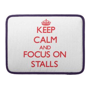 Behalten Sie Ruhe und Fokus auf Ställen MacBook Pro Sleeves