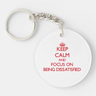Behalten Sie Ruhe und Fokus auf unzufrieden Einseitiger Runder Acryl Schlüsselanhänger