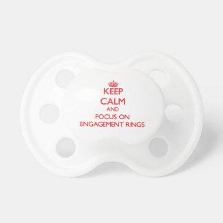 Behalten Sie Ruhe und Fokus auf VERLOBUNGS-RINGEN Baby Schnuller