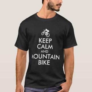 Behalten Sie Ruhe und Gebirgsfahrrad T-Shirt