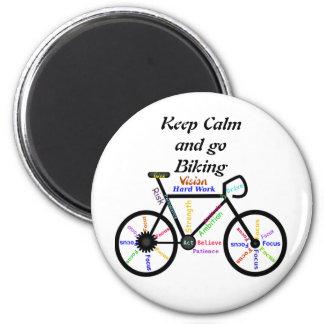 Behalten Sie Ruhe und gehen Sie, mit motivierend Runder Magnet 5,1 Cm