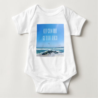 Behalten Sie Ruhe und gehen Sie zum Strand Baby Strampler