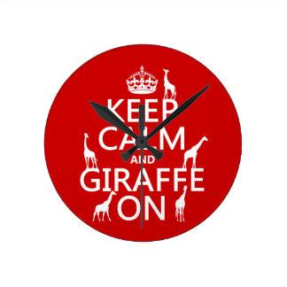 Behalten Sie Ruhe und Giraffe auf (fertigen Sie Runde Wanduhr