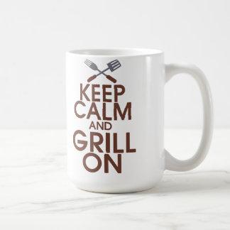 Behalten Sie Ruhe und Grill auf Tasse