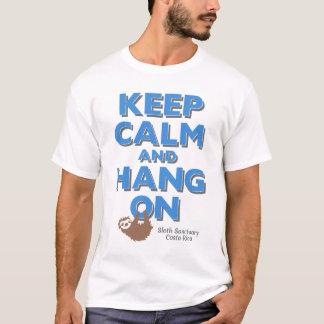 Behalten Sie Ruhe und hängen Sie am Sloth-T-Stück T-Shirt