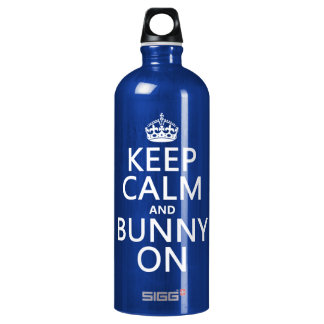 Behalten Sie Ruhe und Häschen an Wasserflasche