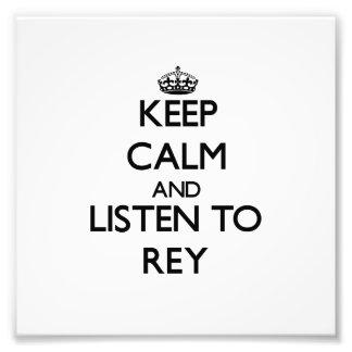 Behalten Sie Ruhe und hören Sie auf Rey Kunstfotos