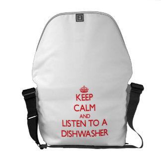 Behalten Sie Ruhe und hören Sie zu einer Kurier Taschen