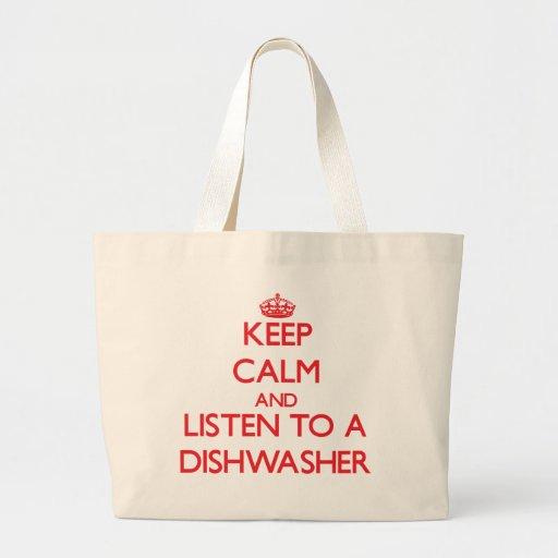 Behalten Sie Ruhe und hören Sie zu einer Einkaufstaschen