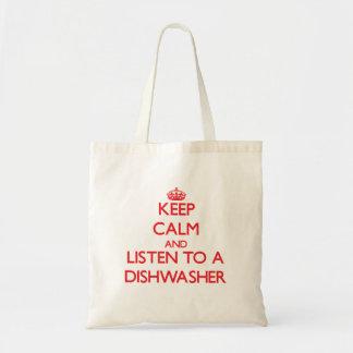 Behalten Sie Ruhe und hören Sie zu einer Einkaufstasche
