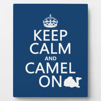 Behalten Sie Ruhe und Kamel auf (alle Farben) Fotoplatte