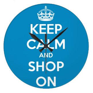 Behalten Sie Ruhe und kaufen Sie auf hellem Blau Große Wanduhr