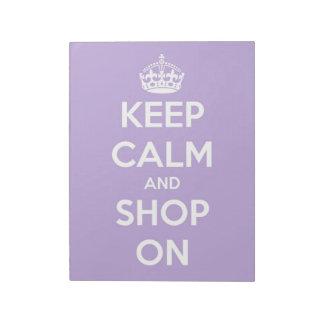 Behalten Sie Ruhe und kaufen Sie auf Lavendel Notizblock