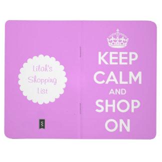 Behalten Sie Ruhe und kaufen Sie auf rosa Taschennotizbuch