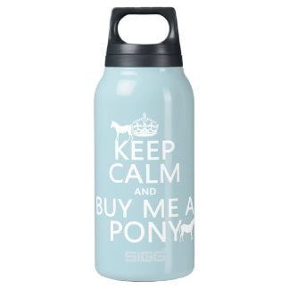 Behalten Sie Ruhe und kaufen Sie mich ein Pony Isolierte Flasche