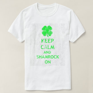 Behalten Sie Ruhe und Kleeblatt auf DS T-Shirt