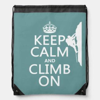 Behalten Sie Ruhe und klettern Sie auf Turnbeutel