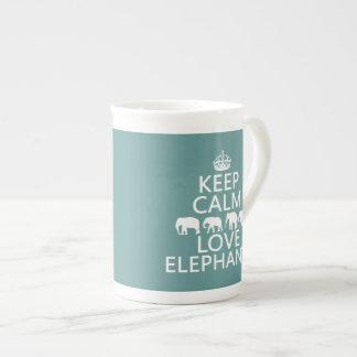 Behalten Sie Ruhe-und Liebe-Elefanten Porzellantasse