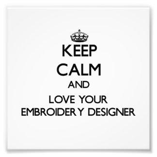 Behalten Sie Ruhe und Liebe Ihr Stickerei-Designer