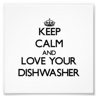 Behalten Sie Ruhe und Liebe Ihre Spülmaschine Kunstfoto