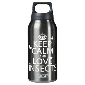 Behalten Sie Ruhe-und Liebe-Insekten (irgendeine Isolierte Flasche