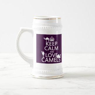 Behalten Sie Ruhe-und Liebe-Kamele (alle Farben) Bierglas
