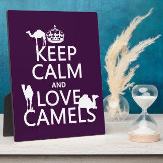 Behalten Sie Ruhe-und Liebe-Kamele (alle Farben) Fotoplatte